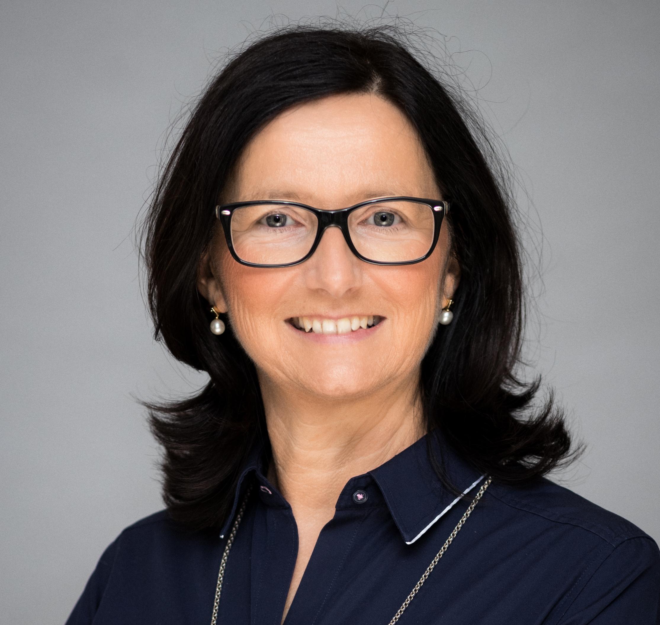 Angela Bartke, BLG